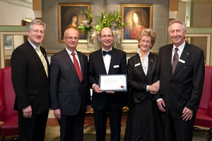 BCF member receives research award: Jens Timmer, physicist at the University of Freiburg and member of the BCF, received the Hector research award.